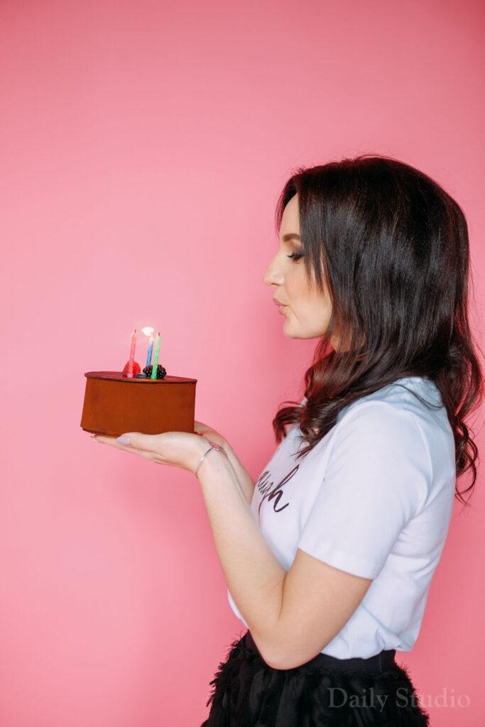 фотосессия день рождения женщине, фотосессия с тортом