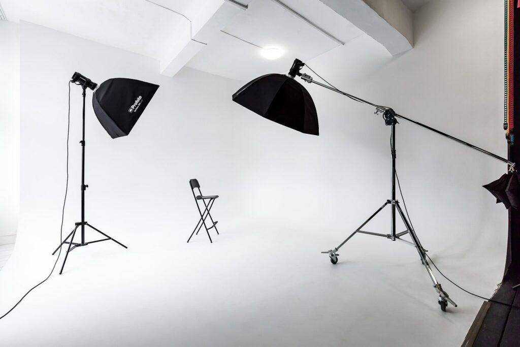 циклорама в фотостудии, белая циклорама