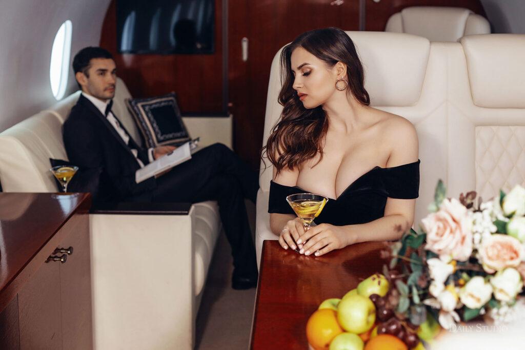 фотосессия в самолете, фотосессия в частном самолете спб, салон самолета для фотосессии, love story в самолете, новогодняя фотосессия в самолете , самолет спб, интерьер самолета