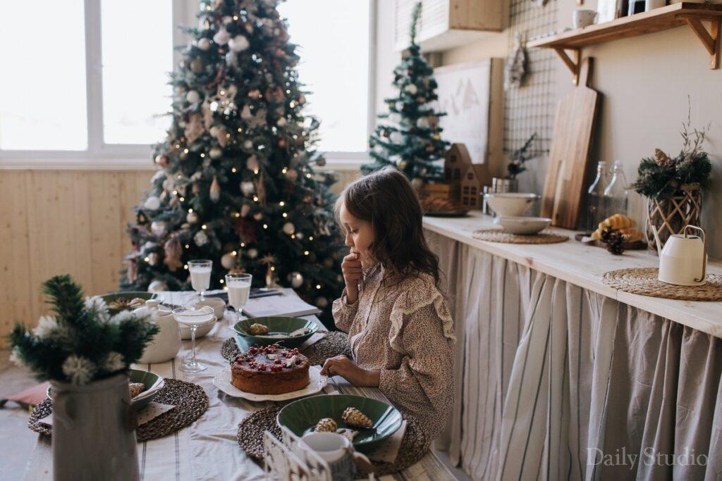 фотосессия на кухне, новогодняя фотосессия девочки
